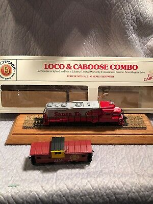 HO SCALE TRAIN Set, COMPLETE, UP Loco, 3 cars, UP caboose track