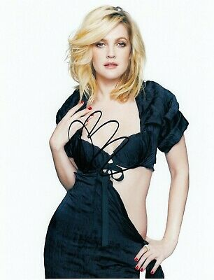 Drew Barrymore Signed  8x10 auto photo in Excellent Condition
