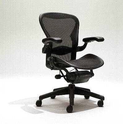 Herman Miller Aeron Mesh Office Desk Chair Medium Size B  adjustable with lumbar