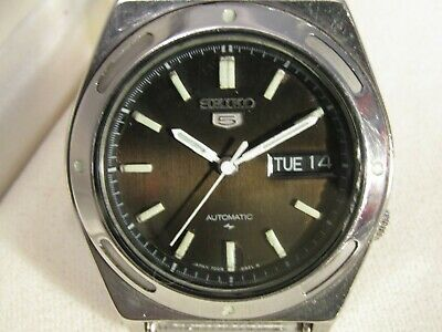 Seiko 5 RARE BLACK DIAL, Automatic day /date just fully serviced by Seiko dealer
