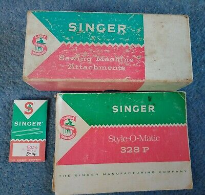 Vintage Singer Sewing Machine Attachments Box, Booklet & Needles.