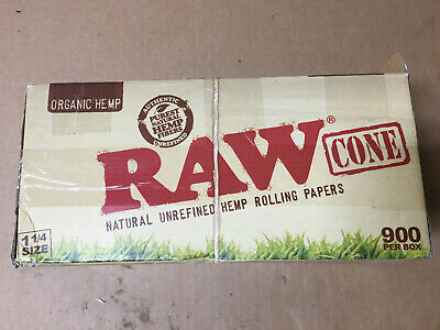 RAW Organic 1 1/4 Size Pre Rolled Cones 900 Count