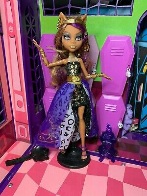 Monster High Doll - Clawdeen Wolf - 13 Wishes - Great Condition