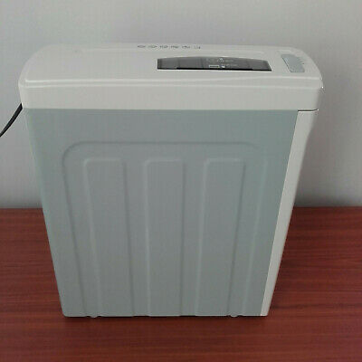 Shredder for paper, CDs, credit cards. Pick up only from 5173