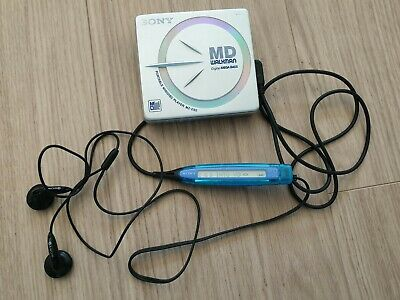 Sony Portable Minidisc player Walkman MZ-E62 silver mini disc remote control