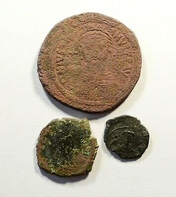 Ancient Byzantine Bronze Coin - LOT OF 3 - 25.03g / D: 16-37mm