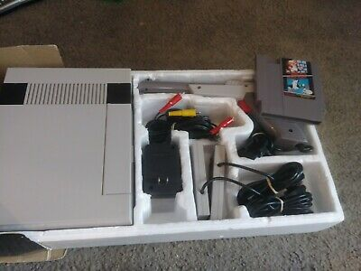Nintendo Entertainment System Action Set Gray Console NES Complete in Box