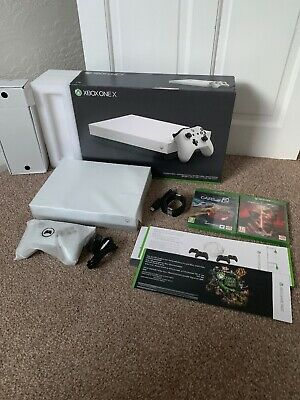 Microsoft Xbox One X 1TB Bundle - Robot White Special Edition