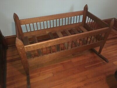Beautiful Antique Mission Oak Arts And Crafts Style Baby Cradle 1910