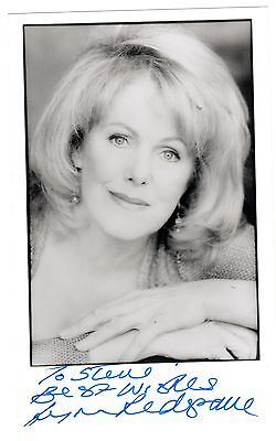 Lynn Redgrave 1943-2010 Renowned actress. Genuine signed photo