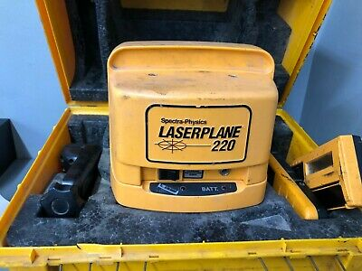 525Spectra-Physics LASERPLANE 220 Leveling Laser Level with Case L-220