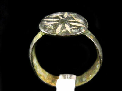 CHOICE CRUSADER BRONZE RING with CROSS ON THE TOP+++AS FOUND+++