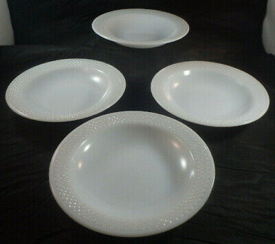 4 Vtg Federal Glass Diamond Pattern White/Milk Glass Rimmed Soup Bowls - 8""