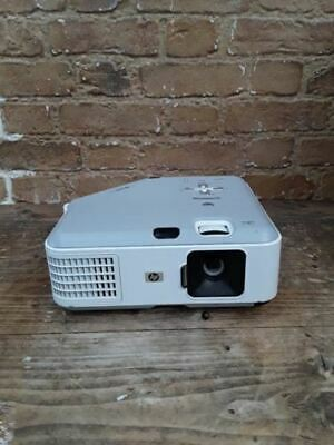HP PROJECTOR VP6325 L1794A 1711 Lamp Hours Used No Remote Included 61410