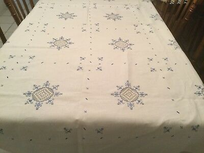 Vtg 110 x 70 Linen Embroidered Cut Work Tablecloth + 20 Napkins Off White w Blue