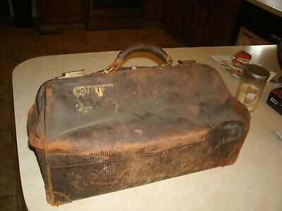 Very Old Doctors Bag Leather In Storage 50+ Yrs. C.b.e. Newark,Del. St. Hospital