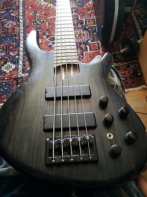 Electric Bass Cort B5 5 Strings Black Very good condition!