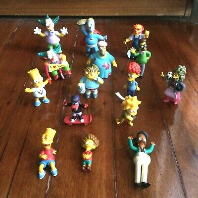 15 Simpsons Figures / Figurines In Very Good Condition