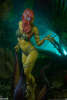 Poison Ivy  Premium Format Figure by Sideshow Collectibles - EXCLUSIVE Edition