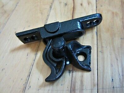 Antique Cast Iron Garden Fence Gate Latch Vintage Door Victorian Finger Lift OLD