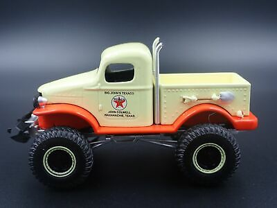 KOREAN WAR DODGE Wc54 Army Military Ambulance Rare 1:64