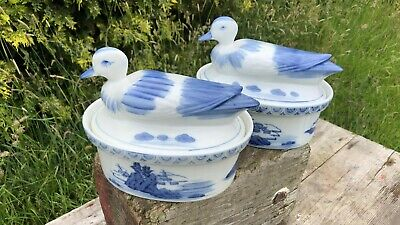 Beautiful Vintage Blue & White Chinese Tureen With Duck Lid *