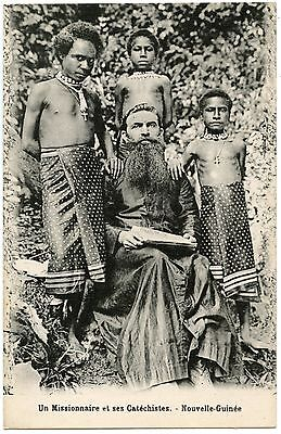 Religion. Missionary and His Catéchistes. New Guinée. New Guinea