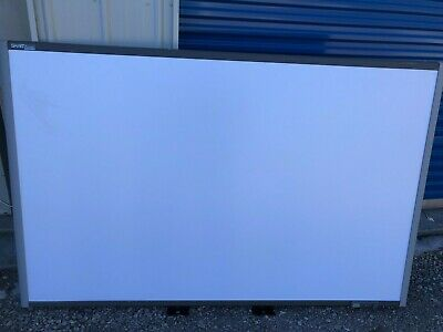 Smartboard Sb685  87'' With Pens, Eraser, Tray, Bracket-  Beautiful Condition!