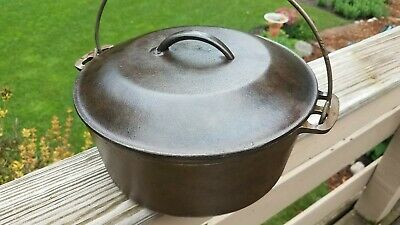 Vintage-Antique 10-1/4 #8 Cast Iron Self Basting Dutch Oven with Lid unbranded