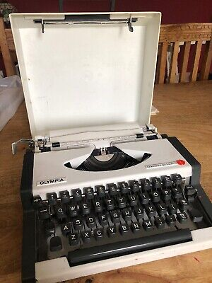 Vintage Olympia Traveller De Luxe S Typewriter In White & Grey - New Ribbon