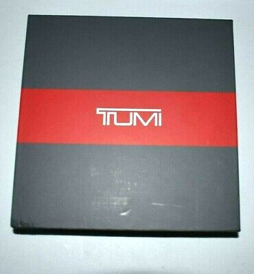 Tumi Leather Portable Bank Charger iphone ipad ipod 8000 mAh charger & sync cord