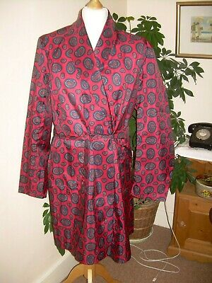 Men's vintage style red paisley 3/4 dressing gown/robe, by McGregor. Large size