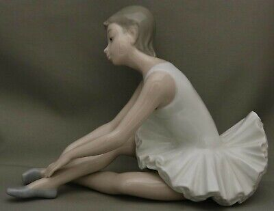 "Nao by Lladro Figurine - ""Ballerina"" - Really nice one at a very realistic price"