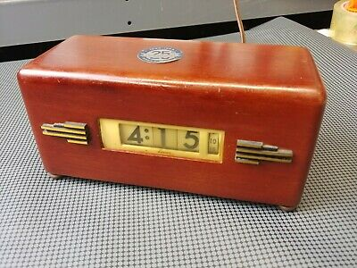 VINTAGE LAWSON TIME INC. ART DECO ELECTRIC CLOCK  MODEL P-40 STYLE 217 ca 1930s