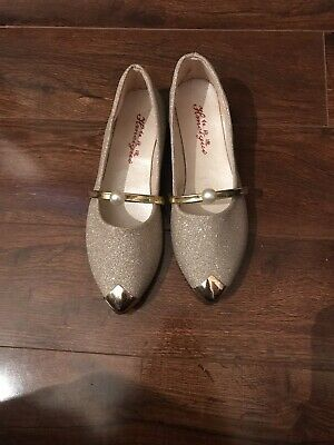 Gold Pointed Sparkly Dolly Shoes New Size 4