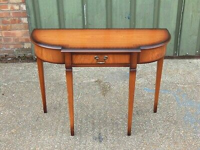 Stunning Strongbow Furniture Classic mahogany console hall table desk wth drawer
