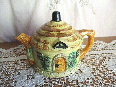VINTAGE NOVELTY COTTAGE HOUSE TEAPOT w THATCHED ROOF LID – MADE IN JAPAN LOVELY