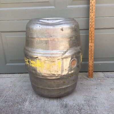 Stroh's 15.5 Gallon beer keg - Detroit Michigan - with wood plug - Made in USA