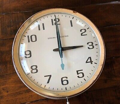 RARE Vintage General Electric Model 2012 Industrial School Wall Clock Glass Face