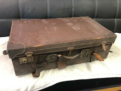 Vintage suitcase. Full leather with wonderful patina from the 40's