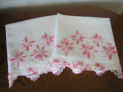 Vintage Pair of Pillowcases Embroidered & Crocheted Rows Of Asters Exquisite