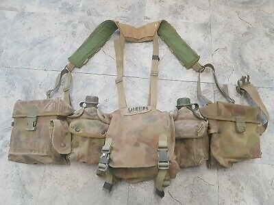 Australian Army Webbing with 5 pouches includes 2x canteens