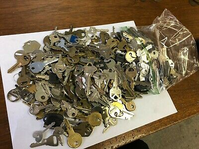 Big Mixed Lot of KEYS 3.5 lbs!, household, commercial, vintage & modern WYSIWYG