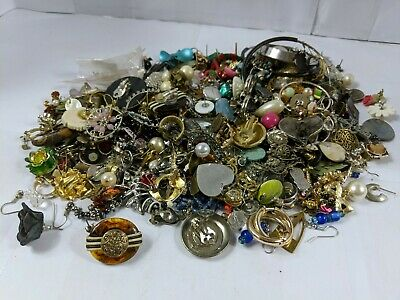 Huge job lot of vintage & modern costume jewellery Odd Earring ONLY All untested