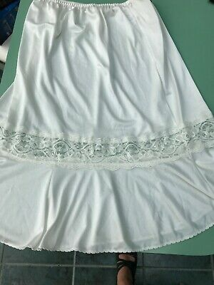 Vtg St Michael Waist Slip 14-16 Cream Silky Soft Polyester Lace Detail Pretty