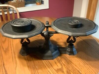 Vintage Unbranded Black All Metal Cast Iron Balance Scale  w/weights