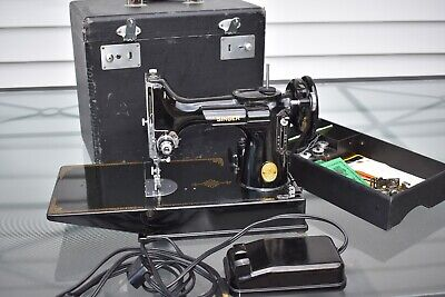 Vintage Singer Portable Electric Sewing Machine 221-1 Featherweight with Case