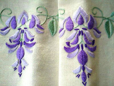 Exquistite Purple Wisteria Vintage Embroidered Tablecloth & 4 Matching Napkins