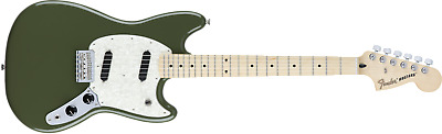 Fender 0144042598 Mustang, SS, Maple Fingerboard, Antique Olive ® - NEW!