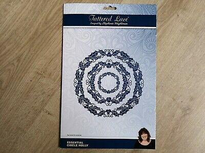 Tattered Lace Essential Circle Holly Large Die Set